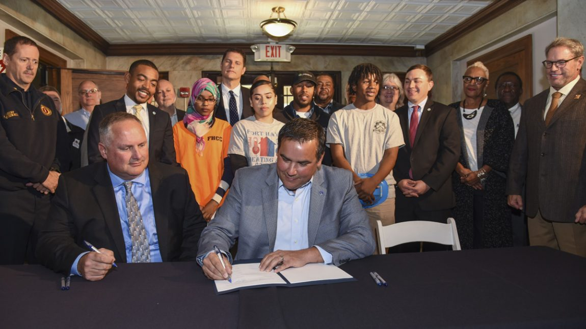 City, Building Trades, Sign Historic Agreement
